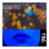 TAG – Kiss Me